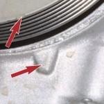Теперь обратите внимание на метку шкива коленвала, она должна совпасть с меткой на блоке цилиндров