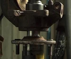 Видео замены подшипника передней ступицы Форд Мондео