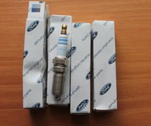 Замена свечей зажигания в Ford Focus I
