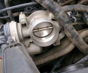Чистка дроссельной заслонки Ford Focus 2